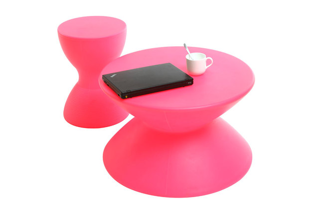 Couchtisch IDA design rosa  Miliboo