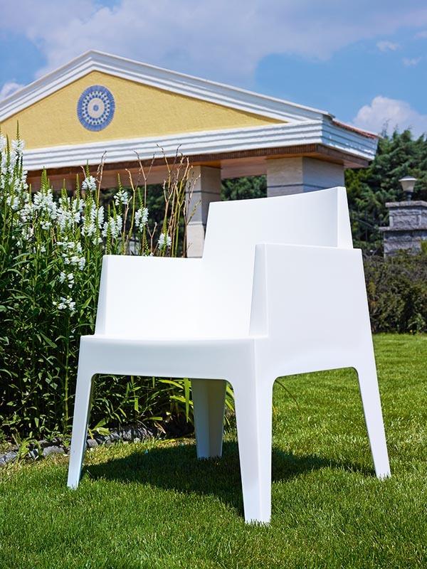 design gartenst hle wei 4er set lali miliboo. Black Bedroom Furniture Sets. Home Design Ideas