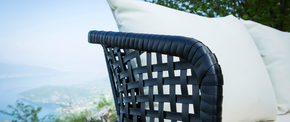 Gartenbank MONACO aus schwarzem Kunststoffgeflecht