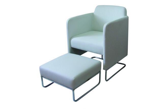 moderner weisser sessel nolan mit passender fuss st tze. Black Bedroom Furniture Sets. Home Design Ideas